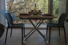 La table en configuration pour 2 personnes
